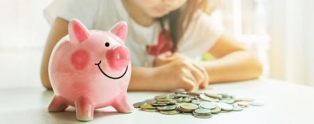 Хүүхдэдээ мөнгөний талаар хэзээнээс зааж, сургах вэ?