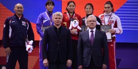 Монголын бөхчүүд Красноярскийн дэвжээнээс 15 медаль хүртэв