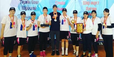 Банкны ажилтны өдрөөр төрийн банкны эмэгтэй сагсан бөмбөгийн баг лигийн аварга боллоо