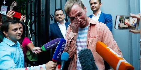 Авлигыг илчилсэн орос сэтгүүлчийн улстөрчдийг давсан ялалт