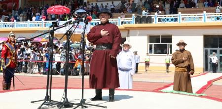 Х.Баттулга: Их эзэн Чингис хаан минь ээ, элгэн садан монголчуудаа үеийн үед ивээгээрэй