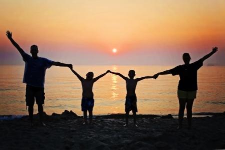 Хүүхдэдээ хэрхэн зөв үлгэр дууриалал үзүүлэх вэ