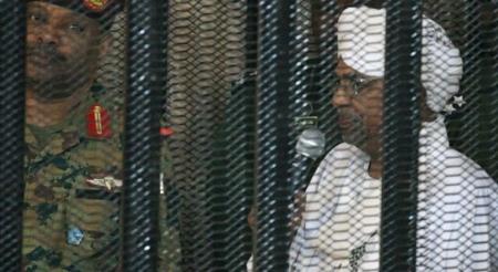 Суданы өмнөх ерөнхийлөгч өргөөндөө олон сая еврог хадгалж байв