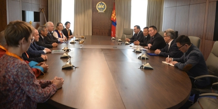 Ерөнхийлөгч Х.Баттулга монголч эрдэмтдийн төлөөллийг хүлээн авч уулзлаа
