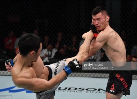"""Холимог тулааны оргил """"UFC""""-д гарсан анхны монгол тулаанч"""
