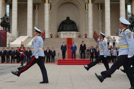 """Зэвсэгт хүчний Ерөнхий командлагч Х.Баттулга """"Монгол цэргийн өдөр""""-ийн мэндчилгээ дэвшүүллээ"""