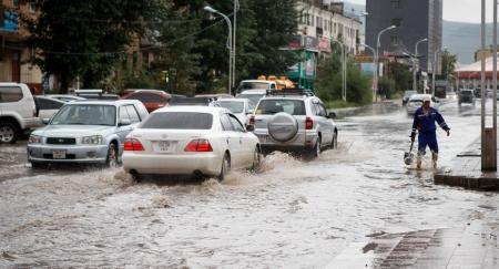 Хэдий болтол бид борооны ус туучиж амьдрах вэ