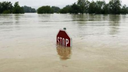 Он гарсаар 48 удаагийн усны ослоор 69 хүн амь насаа алджээ