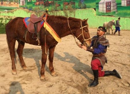 """""""Монгол морь гэж үзэгчид хөл алддаг"""""""