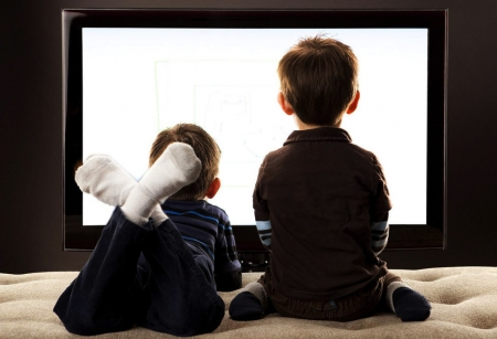 Гэртээ үлдсэн хүүхдүүдийн аюулгүй байдлыг хэн хариуцах вэ?