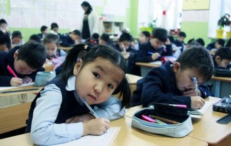 Монголын түүх, хэл, соёл, зан заншил, эх оронч сэтгэлгээ, үндэсний өв уламжлалын агуулгыг сургалтын хөтөлбөрөөс хасаагүй