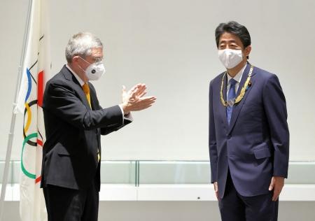 Т.Бах: Хонгилын үзүүрт асах гэрэл нь Олимпийн галт бамбар байх болно