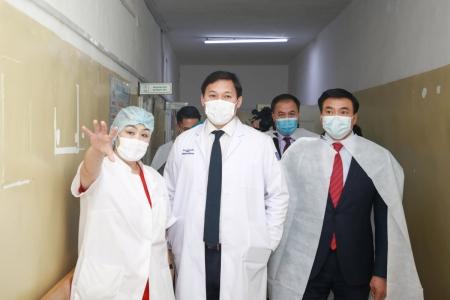 Эрүүл мэндийн сайд Налайх дүүргийн ЭМТ-д ажиллаж, PCR шинжилгээний лаборатори байгуулах бэлтгэл ажилтай танилцлаа