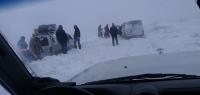 Нийслэлийн аврах ангийн албан хаагчид цасанд боогдсон иргэдийг аврах ажиллагаа үргэлжилж байна