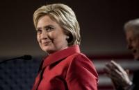 Х.Клинтоныг дэмжигчдийн хувь анх удаа 50-ыг давлаа