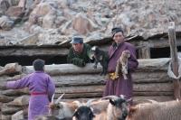 Инфографик: Монгол эрчүүдийн 15 хувь нь ДЭЭД БОЛОВСРОЛТОЙ