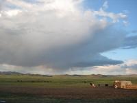 Ойрын өдрүүдэд нутгийн зүүн хагаст салхи шуургатай сэрүүхэн байна