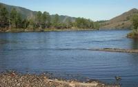 Туул голын эргээр хашаа барина