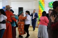 Улсын Филармонийн уран бүтээлчид Батсүмбэр дэх ахмадуудтай уулзав