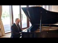 В.Путин төгөлдөр хуур тоглов /видео/