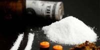 Хар тамхинд мансуурсан залуусыг саатуулжээ