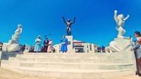 МУ-ын хөдөлмөрийн баатар, Гавьяат тамирчин Дархан аварга Д.Цэрэнтогтохын гэрэлт хөшөө Арвайхээр хотод  босголоо