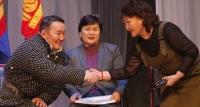 Ерөнхийлөгч Сүхбаатар аймгийн иргэдтэй уулзав
