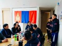 Монголын багийн ахлагч Б.Бат-Эрдэнэ зурганд тайлбар хийжээ