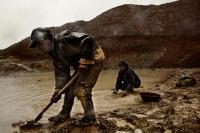 Хууль бусаар алт олборлож байсан Хятад иргэнийг саатуулжээ