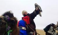 Тэмээтэй аялагч Н.Байгалмаад залилуулсан гэх гадаад эр мэдээлэл хийнэ