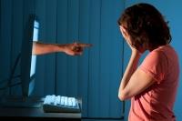 Фэйсбүүкт нэвтэрч байгаа хүүхдүүдийн 47 хувь нь хоёр ба түүнээс дээш хаягтай
