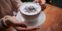 Кофенд мөнгө үрнэ гэдэг нь суултуур луу доллараар шээж байна гэсэн үг