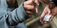 Анхны ерөнхийлөгчийн зээ хүү хар тамхины хэргээр шийтгүүллээ