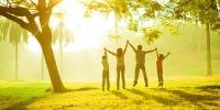 Хүмүүс аз жаргалтай амьдрах тусам илүү энгийн хувцасладаг