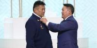 Ерөнхийлөгч үр бүтээлтэй ажилласан нэр бүхий хүмүүст Монгол Улсын гавьяат цол хүртээв