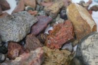 Улсын хилээр 600 кг чулуу нууж нэвтрүүлэхийг завджээ