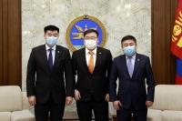 ''Монгол Улсад улс төрийн нам үүсэн байгуулагдсаны 100 жилийн ойг тэмдэглэх тухай'' тогтоолын төслийг өргөн барилаа