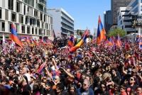 Засгийн газраа эсэргүүцсэн жагсагчдыг баривчилжээ