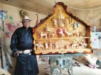 Ч.Батжаргал: Модон сийлбэрт монгол ёс заншил, морины хийморь сүлдийг шингээж урладаг