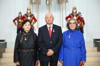 Нэр бүхий шүүгчдэд Монгол Улсын гавьяат хуульч цол хүртээв