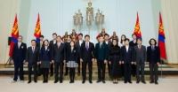 Олон улсын олимпиадад амжилттай оролцсон сурагчид Ерөнхийлөгчийн нэрэмжит шагнал хүртлээ